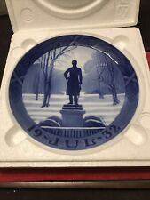 "Royal Copenhagen Christmas Plate 1932 ""Statue Of King Frederik Vi"" Great Cond"