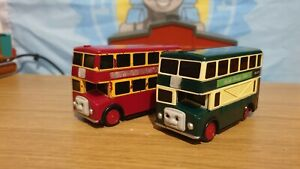 1995 Green & Red Bulgy Bus, Trackmaster Tomy Thomas & Friends Tank Engine p&p