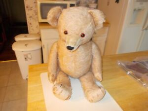 EARLY 1900S LARGE SIZED BEIGE FULLY JOINTED BEAR GLASS EYES PLUSH NOSE STRAW STU