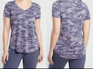 ATHLETA Breezy Printed Scoop V Tee Flora Camo Tempest Violet  Women Size M T New