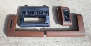 88-94 CHEVY TRUCK DASH VENTS FOR CD PLAYER SUBURBAN K1500 K2500 PADS PARTS