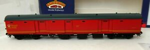 Bachmann 39-760 BR Mk1 POT Coach TPO Stowage Van Royal Mail Letters Red OO (9)
