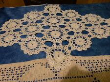 anciens 3napperons crochet coton ,rond et ovale