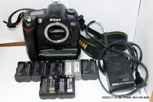 Nikon D70 6.1MP Digital DSLR Body Camera w/Grip, Charger & 7 Batteries.