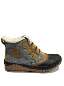 Sorel Women's Out N About Plus, Gray Winter Booties, Size 8.5M.