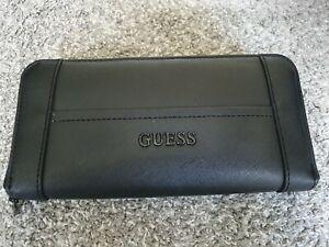 Women's GUESS Zip around Black Purse/wallet