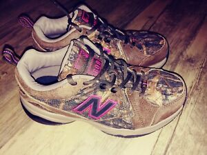 New Balance 608 Camo And Pink Womens Size 7 Excellent CONDITION