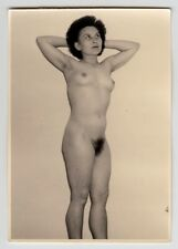 MATURE WIFE POSING NUDE FOR HUSBAND / AKTFOTO * Vintage 1950s Amateur Photo #3