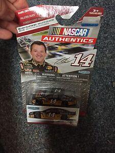 2015 NASCAR AUTHENTICS HARD DRIVERS TONY STEWART  MOBIL 1 &RUSH TRUCK  #14  1:64