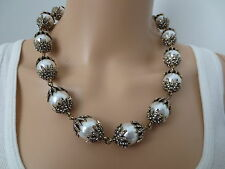 $950 IMPOSSIBLE TO FIND SIGNED OSCAR DE LA RENTA RUNWAY JEWELED PEARL NECKLACE