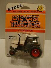 ERTL Die-Cast Tractor Case 2594 Tractor with Cab #224 1:64 C8-303
