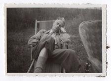 PHOTO ANCIENNE Dormeur Sommeil Sieste Repos Yeux fermés 1948 Homme Chaise Longue