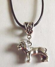 collier cordon ciré noir 47 cm avec pendentif lion