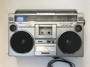 Sanyo M9978F Boombox Ghetto Blaster Stereo Radio Cassette Works Great deck tape