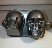WILTON 3-D Skull Cake Pan Mold #2105-1181 DISCONTINUED Skeleton Head