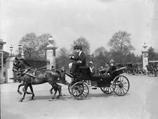 OLD PHOTO 1916 King George V And Queen Mary Leaving Buckingham