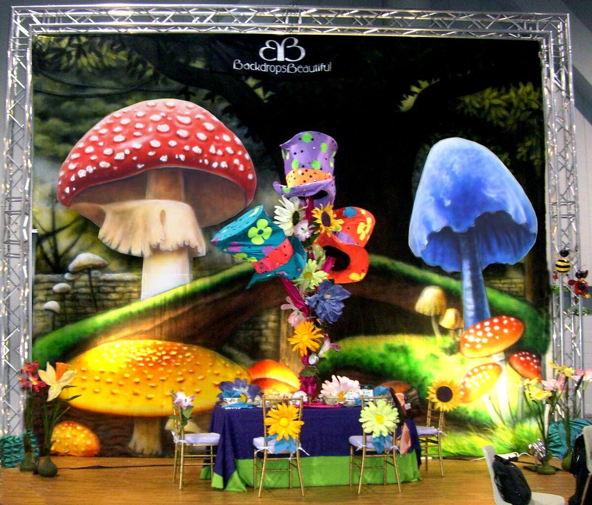 Wonderland  Party Supplies