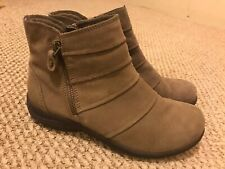 CLARKS COLLECTION Gray Suede Side Zip Low Wedge Ankle Boots / Booties Sz 6 M