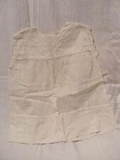 petite robe blanche enfant sans manches - joli motif brodé sur le devant