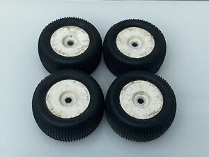HPI Savage White Wheels With Nubz Tyres 17mm Hex For Savage 21, 25, 4.6 & X