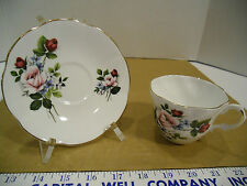 Royal Dover English Bone China Floral Tea Cup & Saucer Set with Gold Trim - EUC