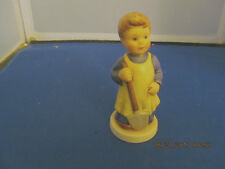 Hummel Goebel Figurine Garden Treasures #727 Membership Year 199899