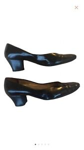 Bruno Magli black patent leather size 37.5 low heel size