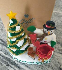 AVON - A WONDERFUL COUNTDOWN TO CHRISTMAS - TALKING SNOWMAN - LIGHTED TREE