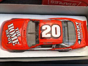 AP Tony Stewart #20 Home Depot Car signed 1999 Pontiac 1:24