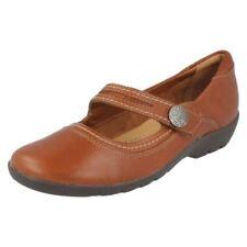 Chaussures beige Clarks en cuir pour femme