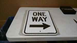 One Way RIGHT ARROW Sign 12X18 EGP Reflective Aluminum Sign