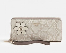 GUESS NWT White Grey Wristlet Wallet Clutch Hadley Large Zip Around Floral Logo