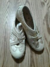 Skechers 21407 Gold Floral Stich Womens Shoes Size 7