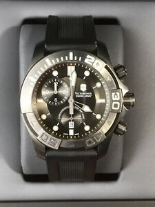 VICTORINOX Swiss Army Dive Master 500 Mens Chrono Quartz Watch 241421 50ATM 43mm