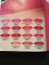 18 Mini Lippenstift Proben Neu Avon Perfectly Matte Alle 15 + 3 neue Farben