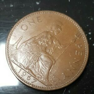 1967 Vintage Old Style British QE II Britannia Penny Coin (1d). COLLECTABLE 👑