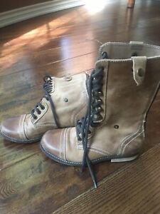 DIBA TAN LEATHER MILITARY STYLE LACE UP ZIP COMBAT BOOTS  SIZE US 5.5