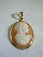 VINTAGE CAMEO LADY PENDANT HAND CARVED SHELL SET IN A 14KT GOLD FRAME