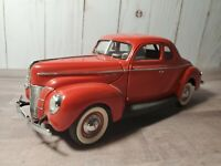 Danbury Mint 1940 Ford Deluxe Coupe Hot Rod 1:24 Scale Diecast Model Car Red