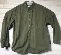 Columbia Men's Sz Medium Button Down Hiking Green Plaid Shirt