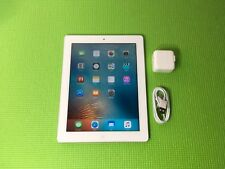 Apple iPad 2 16GB, Wi-Fi, 9.7in - White (volume button not working)