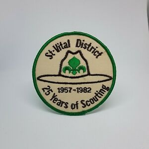 St Vital 25 Years Of Scouting 1957 - 1982 Patch Applique Crest 4 Inch Diameter