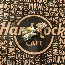 Hard Rock Cafe HRC HOLLYWOOD Volkswagen VW BULLY Guitar Lapel Pin Gitarre