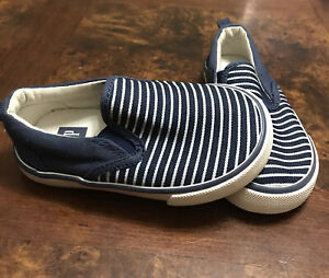 Baby Gap Tan Slip On Sneakers/Shoes Size 6 (Toddler)