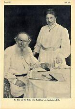 Graf Leo Tolstoi und die Gräfin beim Durchsehen der Post Histor.Memorabile 1908