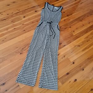 Women's size 8 'CALVIN KLEIN' Gorgeous black and white zig zag jumpsuit- AS NEW