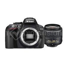 Appareils photo numériques noirs Nikon D5500