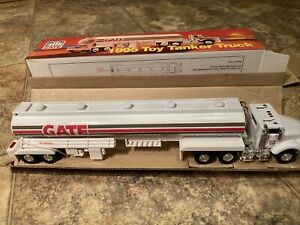 1995 GATE TOY TANKER TRUCK 1:32 Scale Lights And Sounds