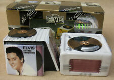 ELVIS PRESLEY RECORD PLAYER  SALT AND PEPPER SET, VANDOR COMPANY, ITEM 47033