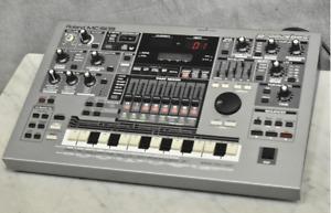 Roland MC-505 Groovebox Sampling Rhythm Machine Sequencer From Japan Used